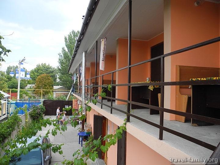 Жилье в центре Скадовска с удобствами и недорого